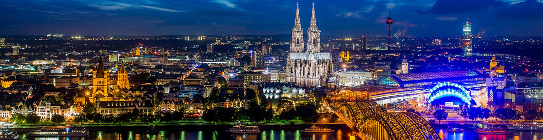 night time panorama Cologne