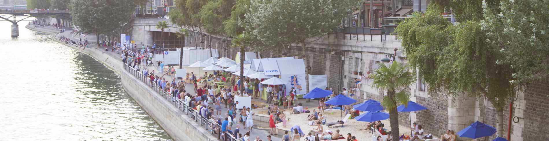 The bank of the Seine beach festival