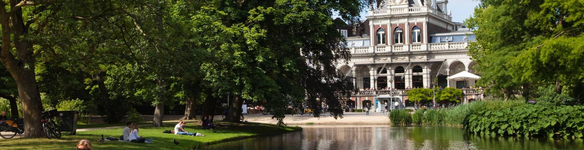 Explore the Museum District in Amsterdam