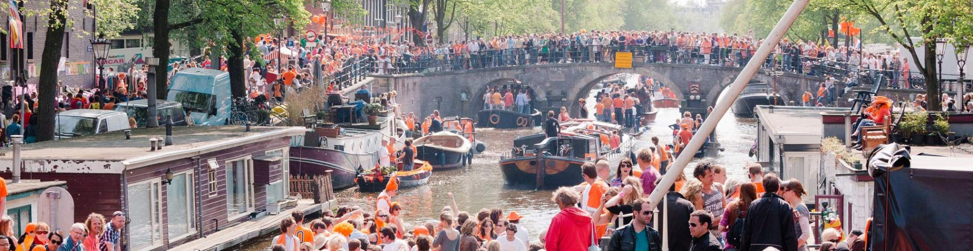 Floating fun on the Prinsengracht