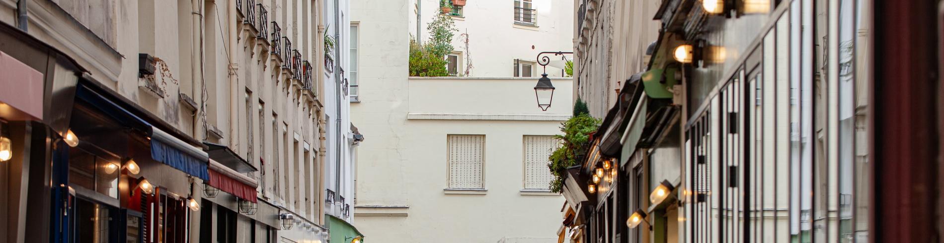 A street for gourmets: rue du Nil