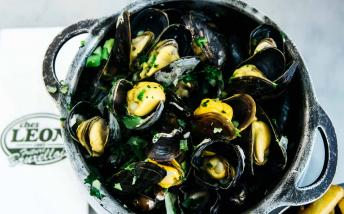 Mussels served at Chez Leon