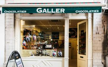 Outside the chocolatier Galler