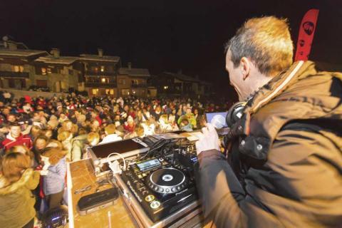 DJ at a club in Valmorel
