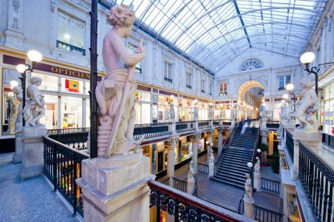 view of the statues in Passage Pommeraye