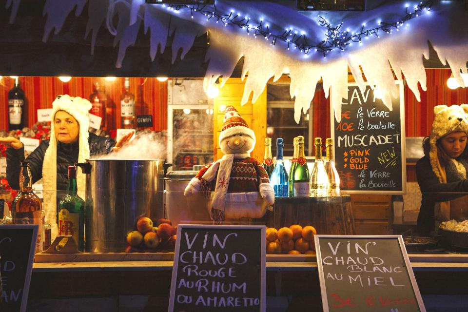Stand selling mulled wine and other Christmas treats